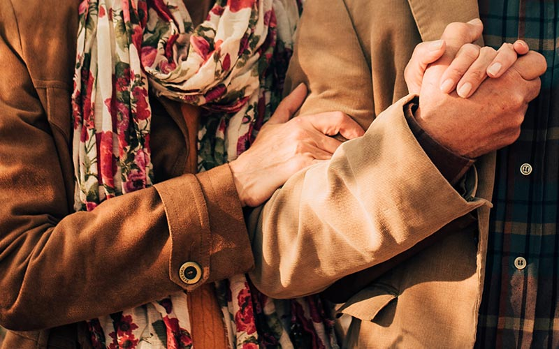8 Tips for Dating in Senior Living | Retirement Boulder CO